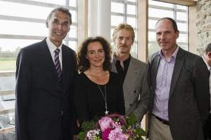 (v.l.) Landrat Johann Fleschhut, Inhaber-Ehepaar Susanne Kaufmann und Hans-Georg Kaufmann, Roßhauptens Bürgermeister Thomas Pihusch