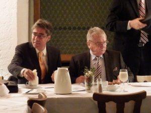 Diskussion im Bayerischen Landtag mit Klaus Breitschwert (CSU)