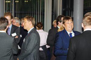 Gäste im Veranstaltungspavillon Nymphenburgerstraße