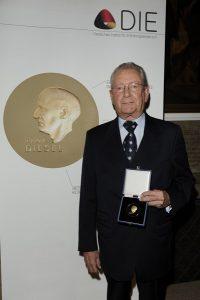 Hans Peter Stihl, Träger der Dieselmedaille