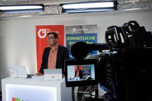 Digitale Konferenz im TV-Studio in München